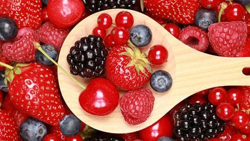 المساحات المزروعة بالفاكهة الحمراء بمنطقة اللوكوس بالعرائش بلغت خلال السنة الفلاحية الجارية 4000 هكتارا