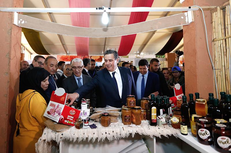 عزيز أخنوش يفتتح معرض المنتجات المحلية المنظم  على هامش الدورة الثامنة لمهرجان اللوز ويشرف على إطلاق عدد من المشاريع