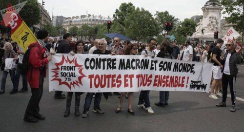 مزارعون يحاصرون مستودعات نفطية بفرنسا احتجاجا على خطة حكومية لاستيراد زيت النخيل