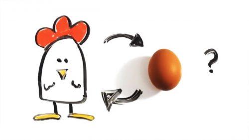 أيهما جاء أولا.. البيضة أم الدجاجة؟